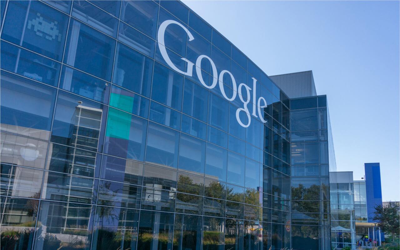 MOUNTAIN VIEW, CA/USA – NOV 2, 2014: Exterior view of Google office.