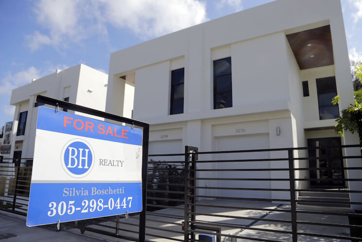Photo of newly built townhouses for sale in Miami.