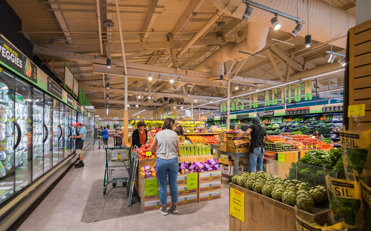 Sept. 27, 2018 Palo Alto, CA. Shoppers in the south San Francisco bay area look through their local Whole Foods market for fruits and vegetables.